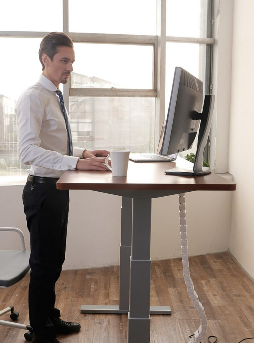 fitnest sierra man standing to work at a standing desk